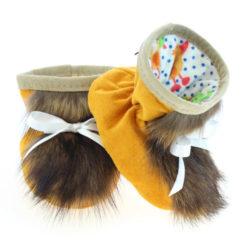 Chaussons pour bébés - Pattes d'ours signées Grenier suède jaune safran