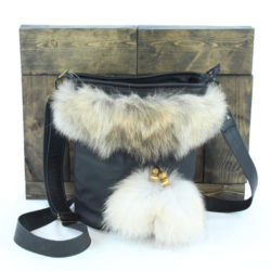 Crossbody bag coureur leather coyote