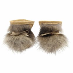 best baby shoes in beige suede and finns raccoon fur