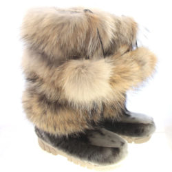 Coyote fur pompom boots with SS